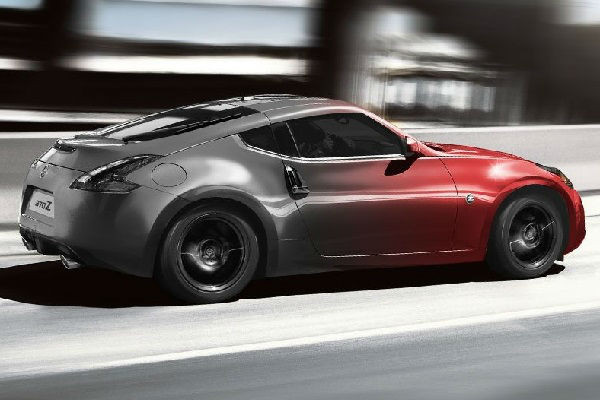 Explore the New NISSAN 370Z