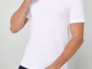 6 Fashionable Ways to Wear a White T-Shirt