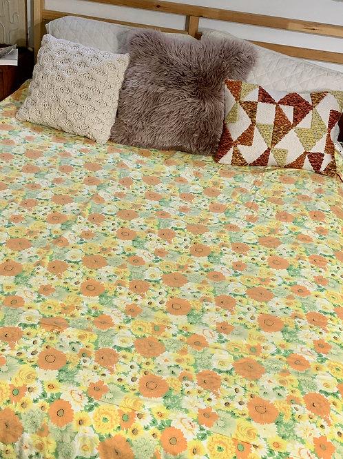 Vintage Full/Queen Floral Bedspread