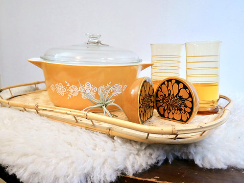 Vintage Pyrex Butterfly Gold Casserole Dish with Lid 475-b