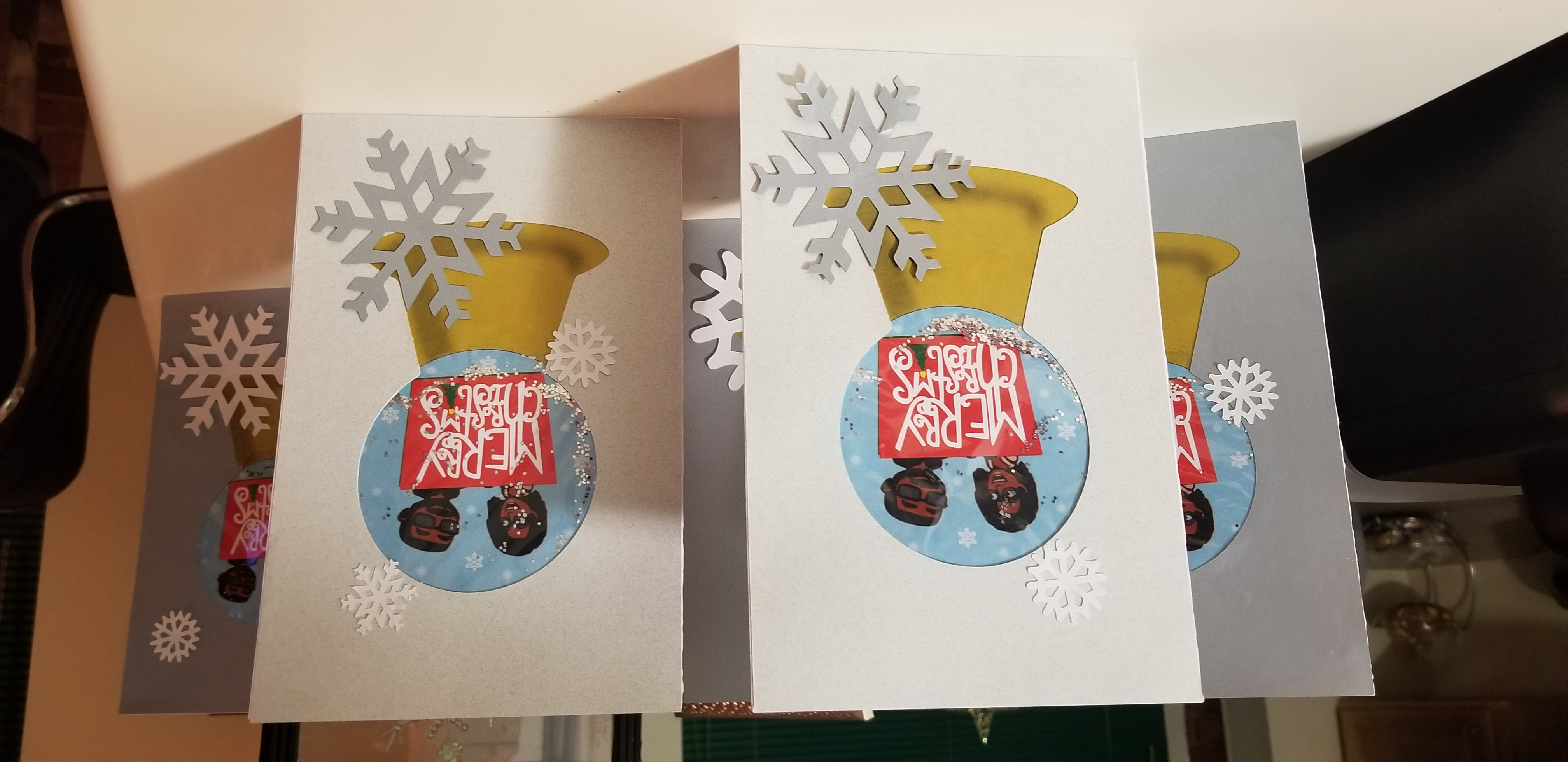 Bitmoji Snow Globe Christmas Card (Set of 10)
