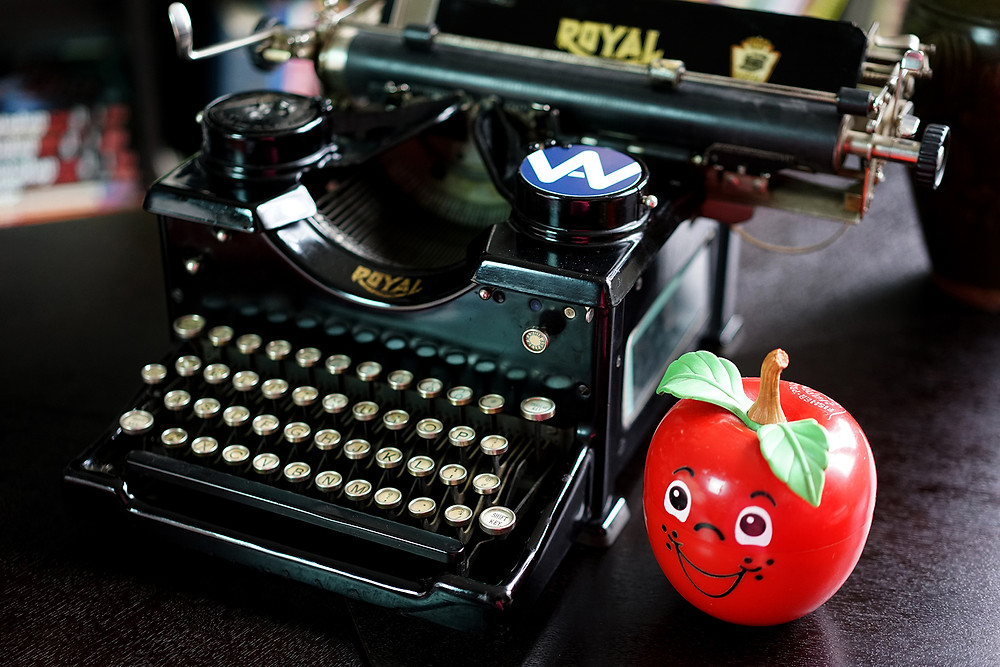 1930 ROYAL Typewriter No. 10 with Glass Keys