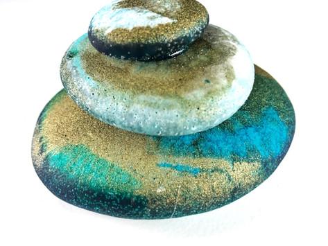 DIY Art Resin Beach Stone Stack