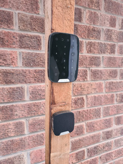 Intruder Alarm Control Panel and Siren
