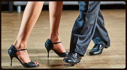Tango Argentino in Wien. Gruppenstunden, Einzelstunden, Workshops, für Männer, Frauen und Paare