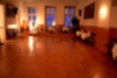 Milonga in Wien. Tango tanzen Wien. Tango Argentino in Wien. Gruppenkurse, Einzelstunden, Workshops, für Männer, Frauen und Paare