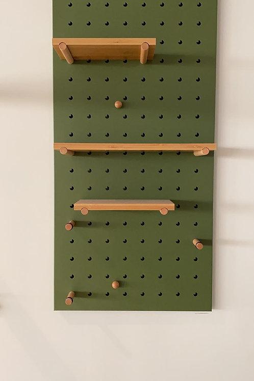 לוח פג בורד ירוק עם עץ