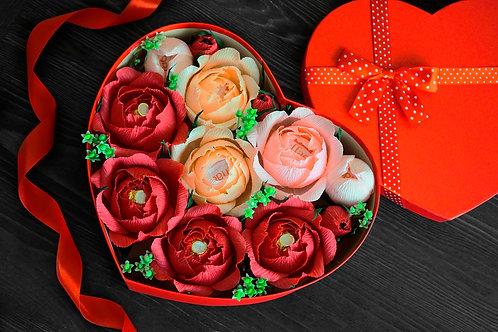 Подарочный набор из роз ручной работы