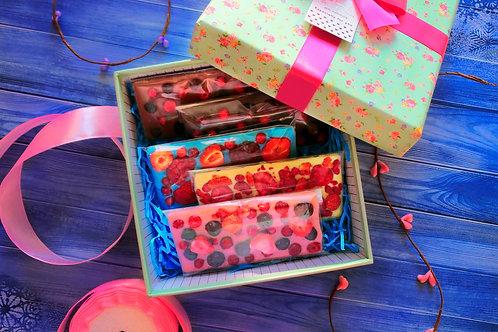 Подарочный набор №4 Ягодное ассорти шоколада