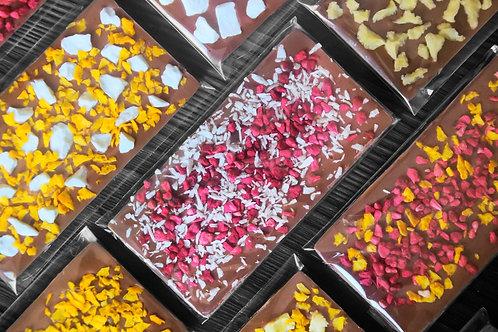 Копия Молочный  бельгийский шоколад с кокосом и малиной.