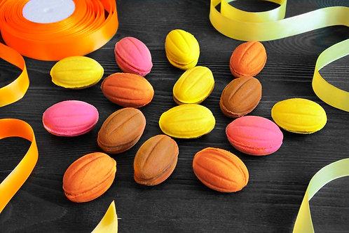 Цветные орешки с начинками на выбор 10 шт