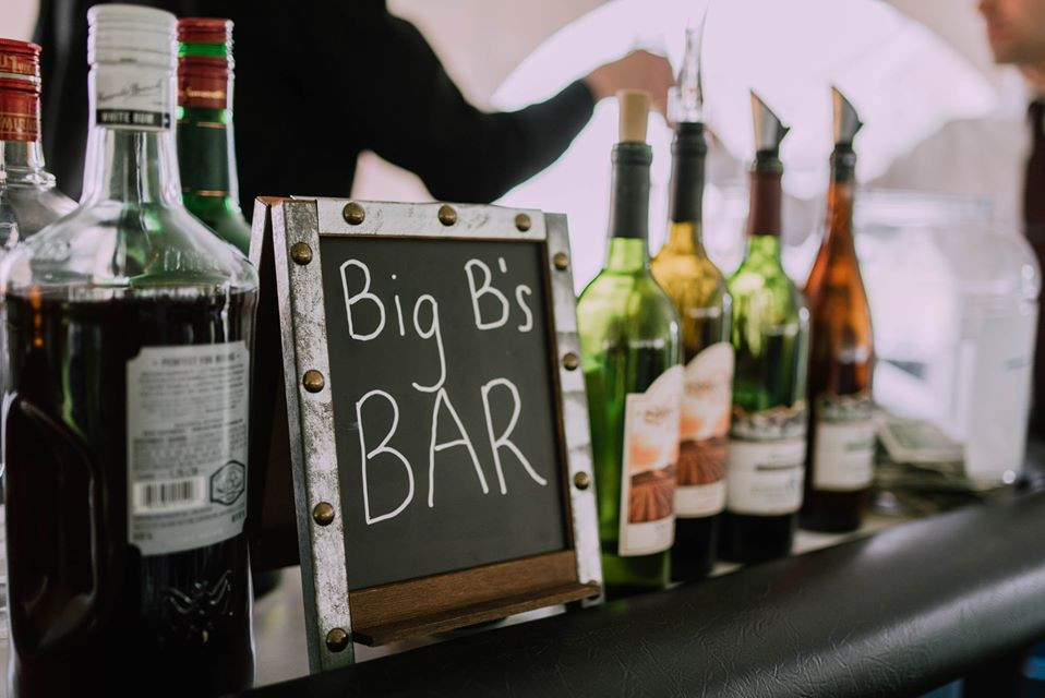 wedding vendor tipping, tipping, wedding tips, tip guide