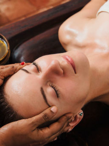 Massage ayurvedique au Salon Naturel Coiffure