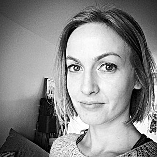 Lisa Mullineaux Yoga Teacher and Hypnoth