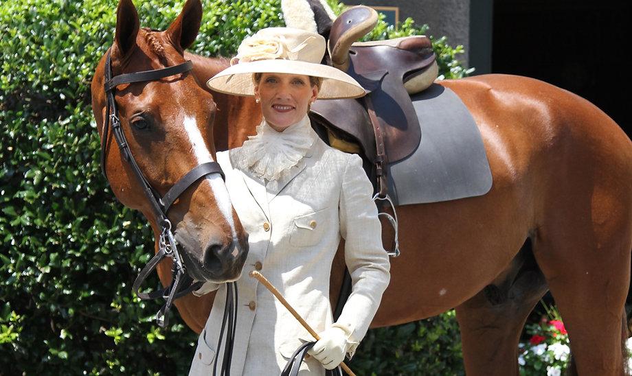 side saddle habit, side saddle, sidesaddle, aside, horse side saddle, ride horses side saddle