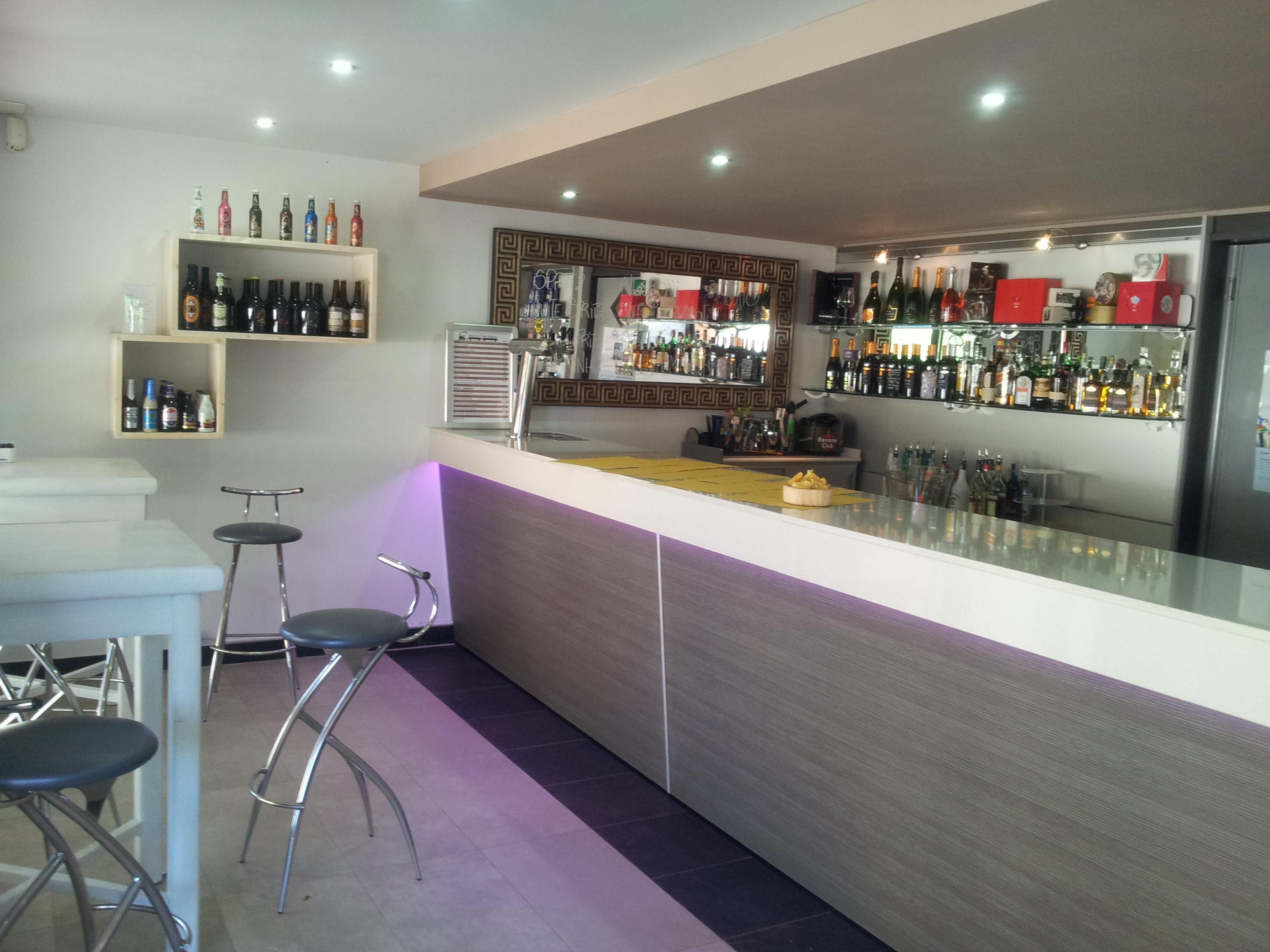Bar ristoranti artenegozio s r l arredamento negozi for Negozi arredamento reggio emilia