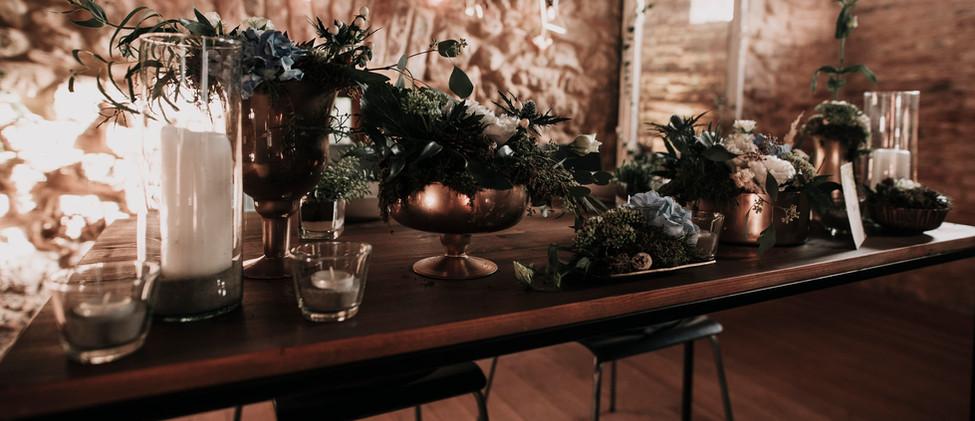 Almabol ültetett vacsora - főasztal dekoráció