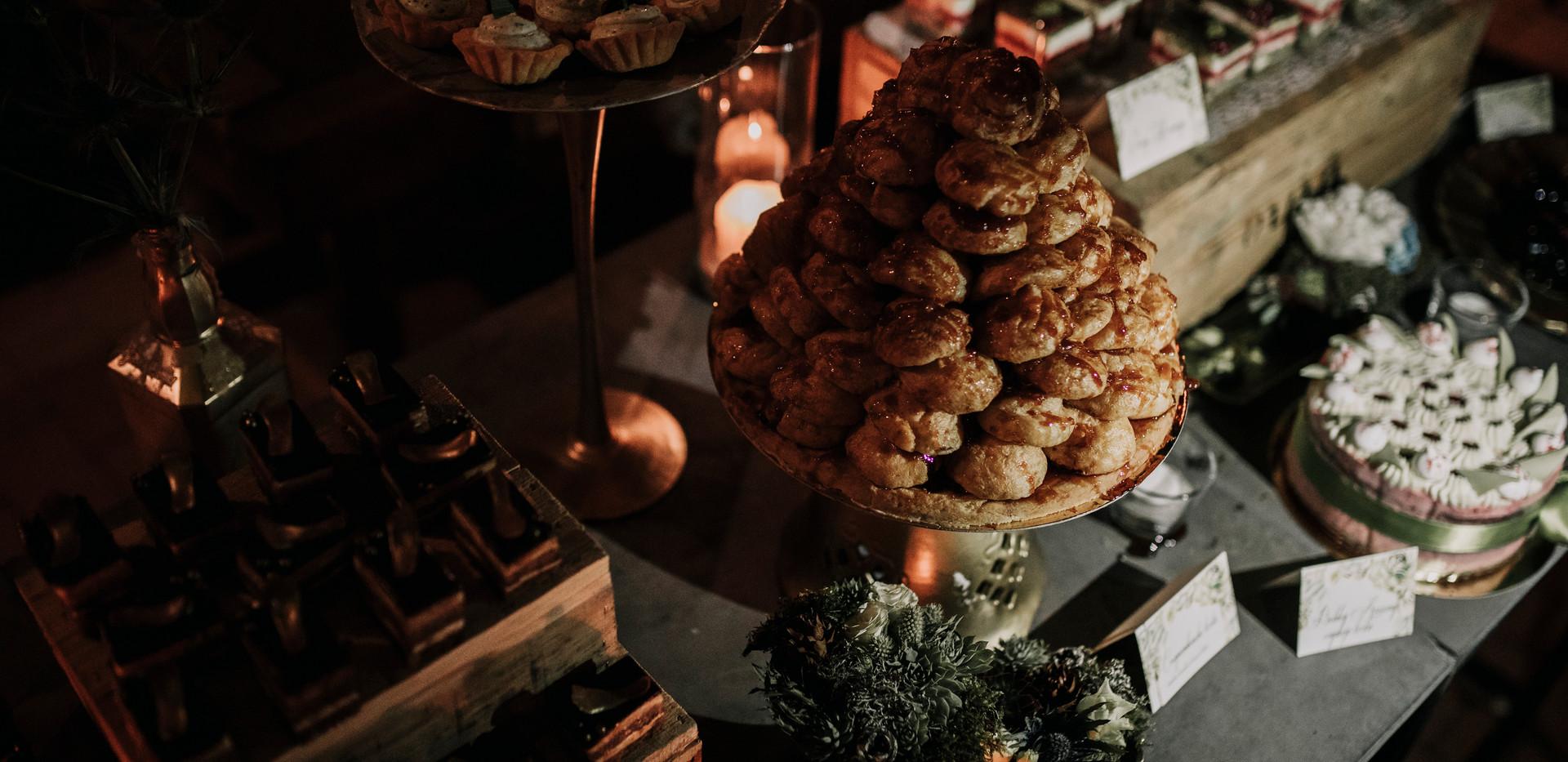 Croqembous torta a desszertsziget éke!