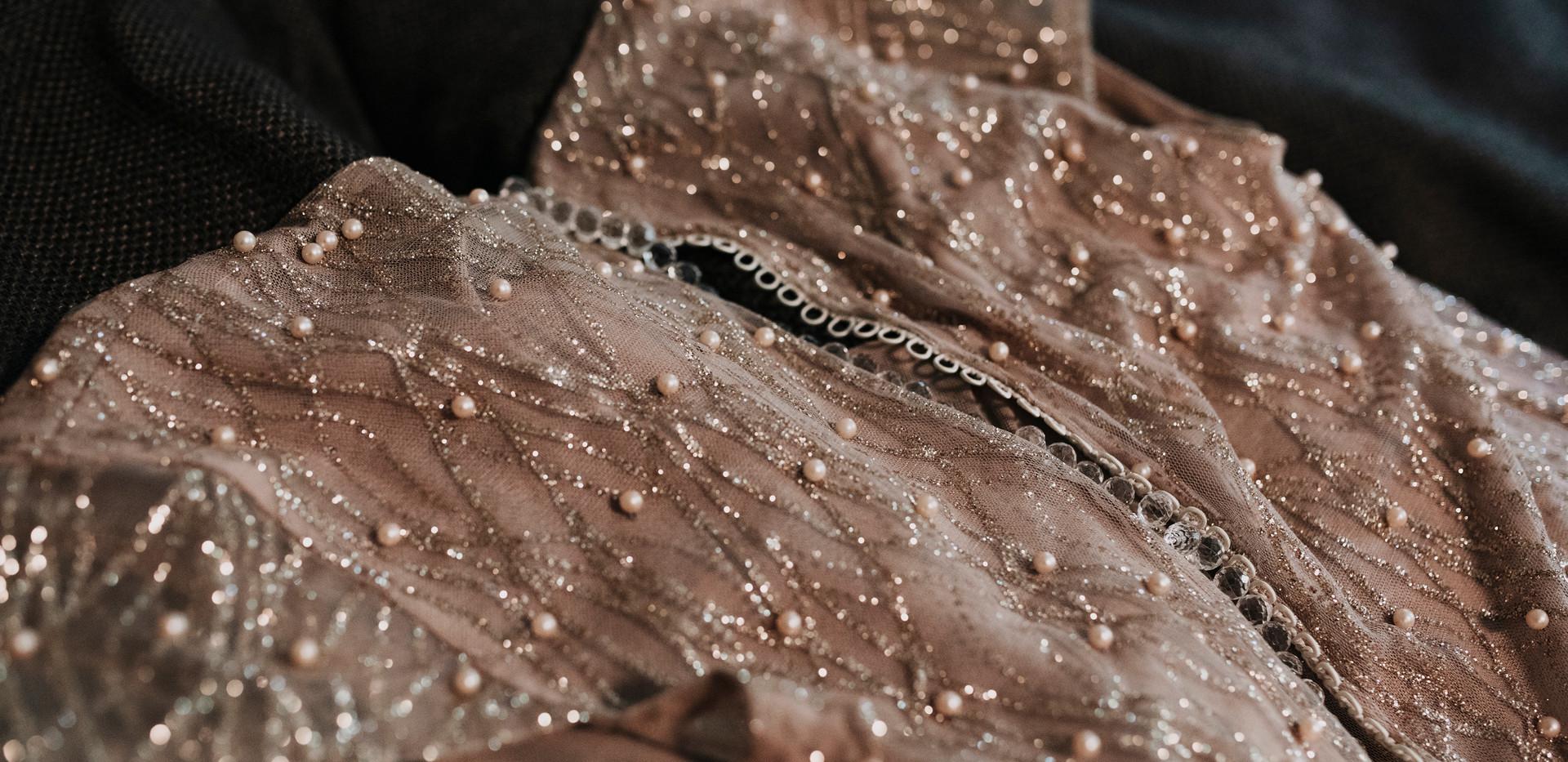 A menyasszonyi ruha! Arany és nude by KozaricsViktorDress