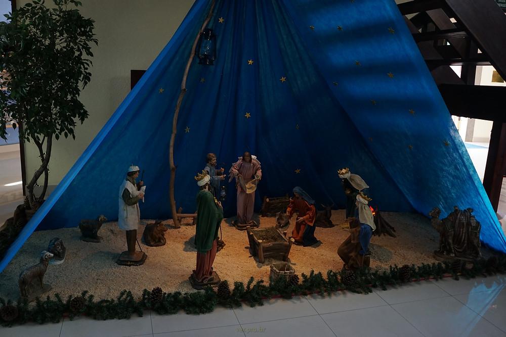 Presépio da Paróquia São José do Jaguaré, na manhã de 24 de dezembro de 2017, a espera do Menino Jesus, que chegará na noite de Natal. Que sejamos também presépios, a espera de Jesus! www.ver.pro.br