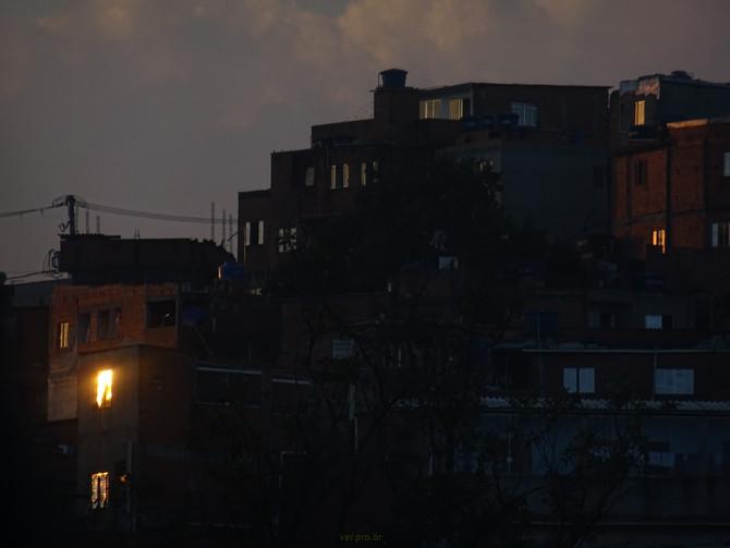 Crepúsculo na Comunidade