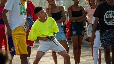 havana-cuba-teens-dancing.jpg