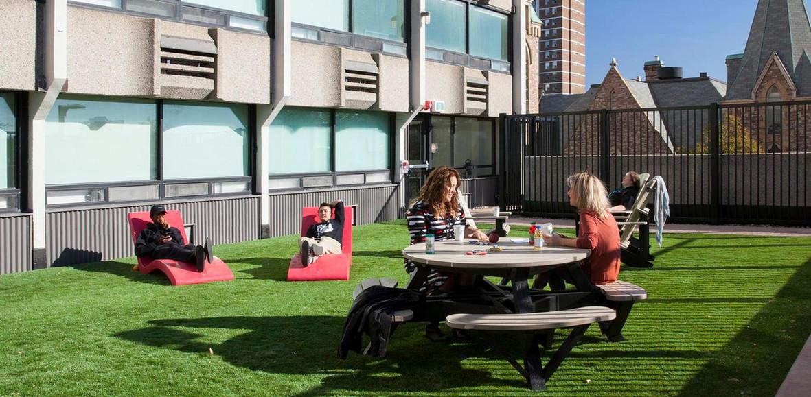 parkside-courtyard.jpeg