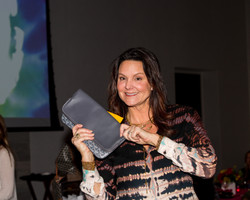 Goyard purse winner