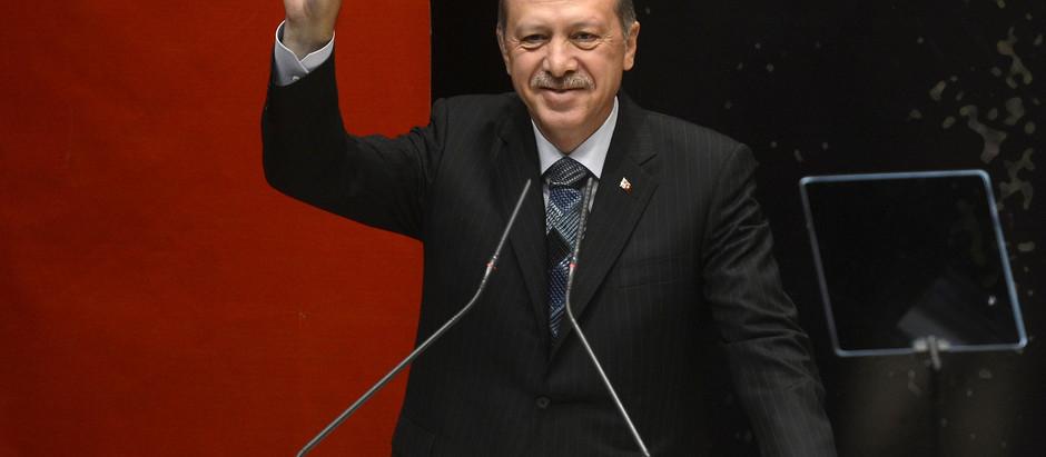 Crise verbale entre Ankara et Paris à l'avant-scène d'une confrontation géopolitique en arrière-plan