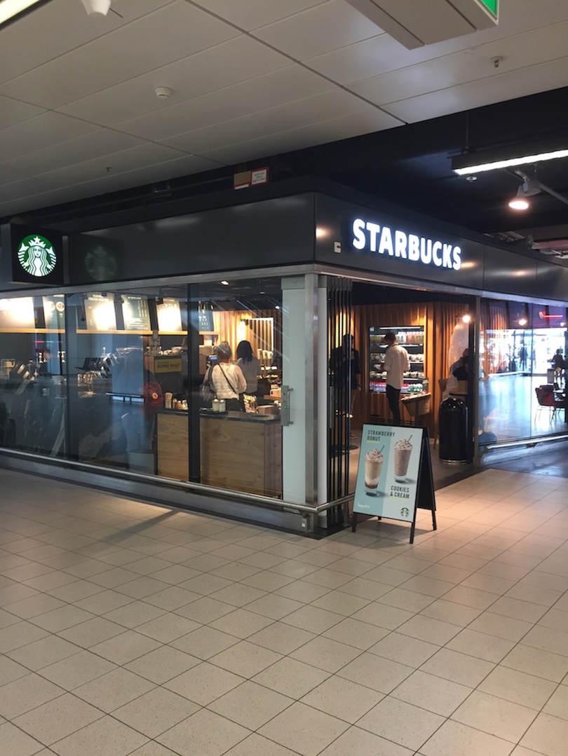 Verlichting Starbucks schiphol