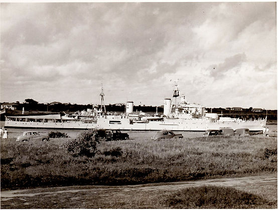 HMS Superb approaching Mombassa