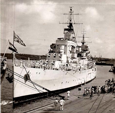 HMS Superb docking at Mombassa