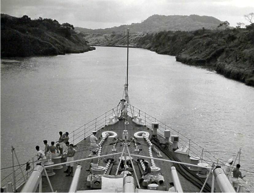 Moving tMoving through the Panama Canal 4hrough the Panama Canal 4