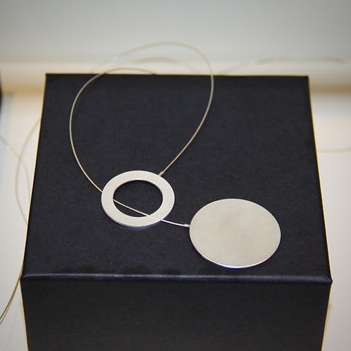 Minimalist Necklace 'intertwined' III