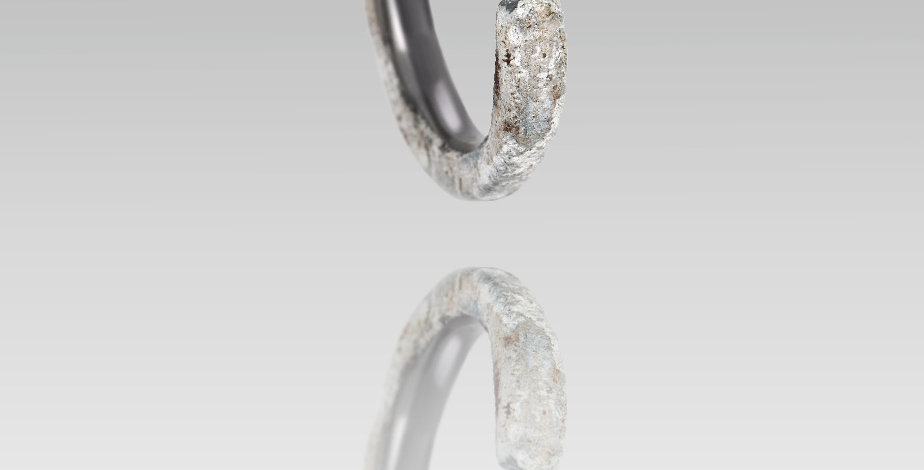 Tantalum ring with rose diamond