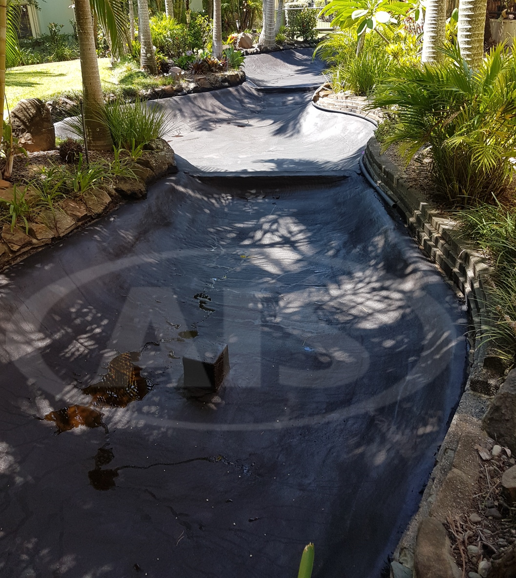 Pond after Spraying AIS Liquid Rubbe