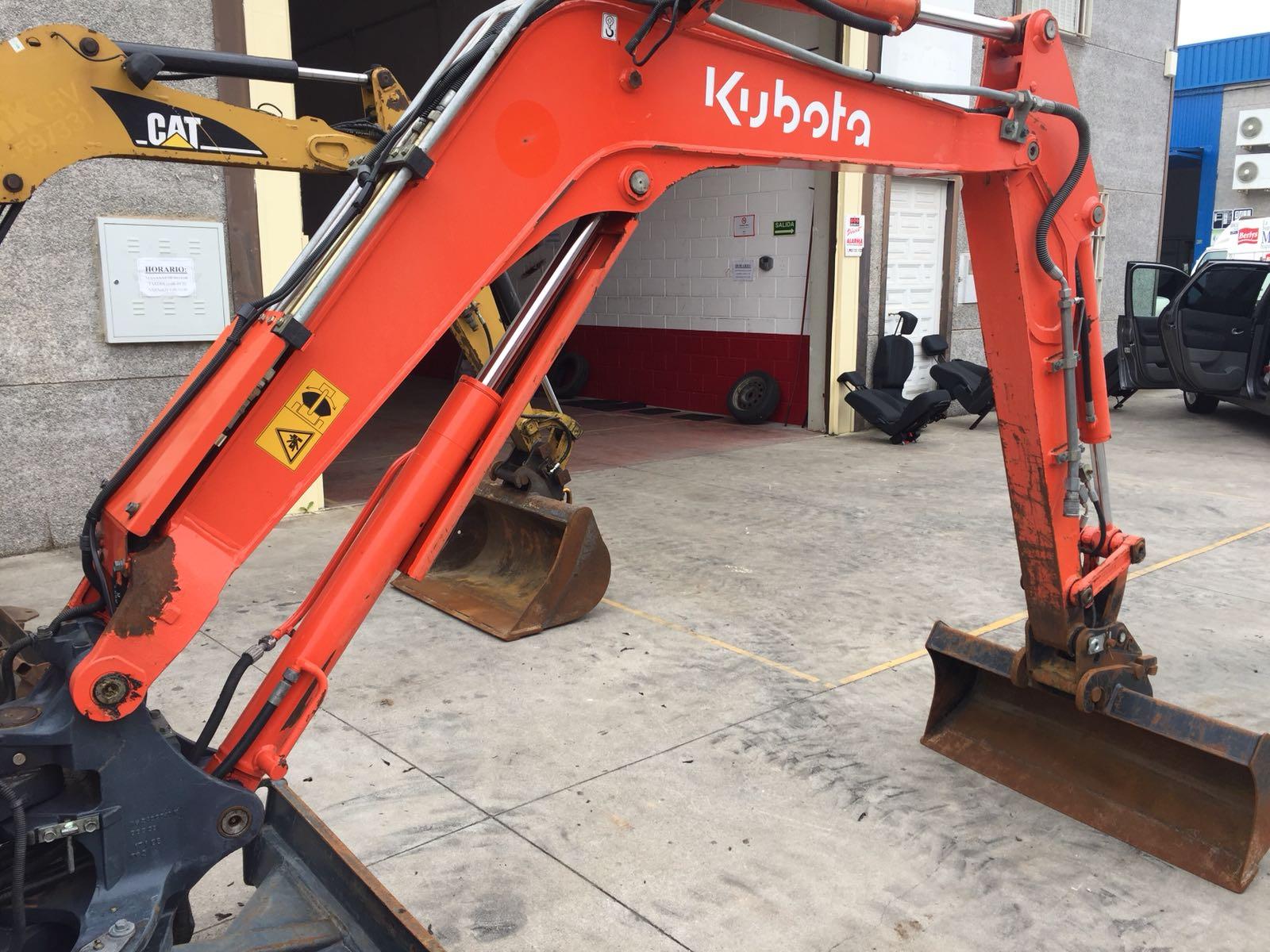 kubota kx61 (4)