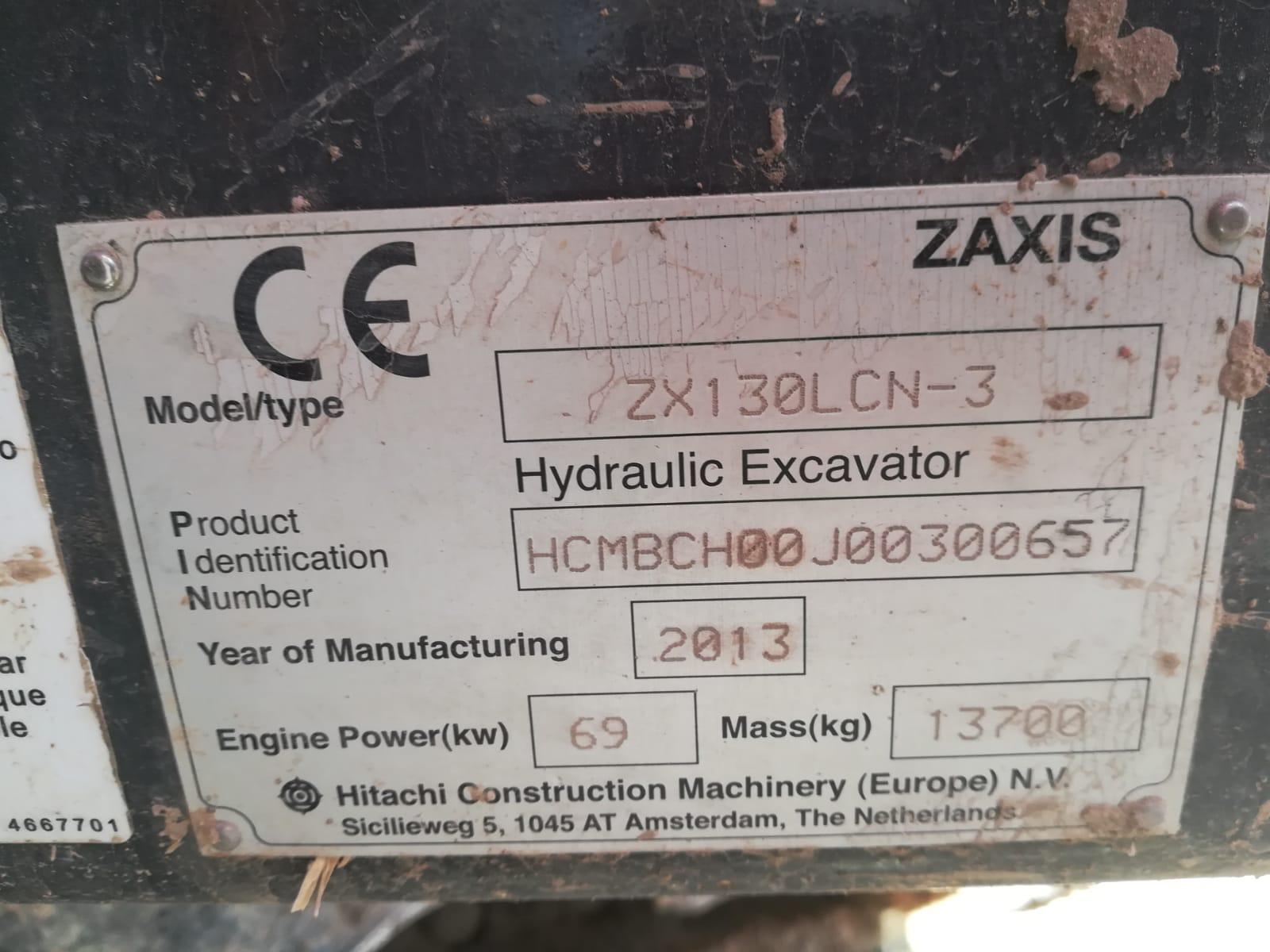 ZX130 2013 900 HRS (13)