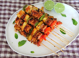 Hawaiian%20Chicken%20with%20Haloumi%20Sk