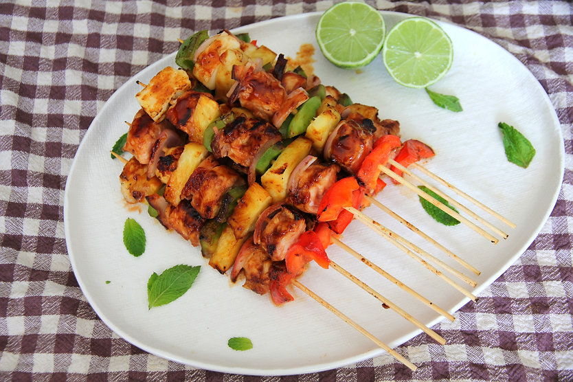 HAWAIIAN CHICKEN WITH HALOUMI SKEWERS