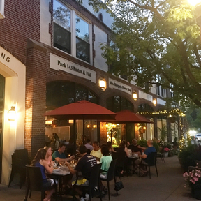 Outdoor dining in Bronxville
