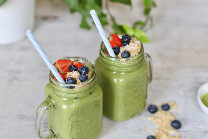 Tropical Matcha Green Smoothie