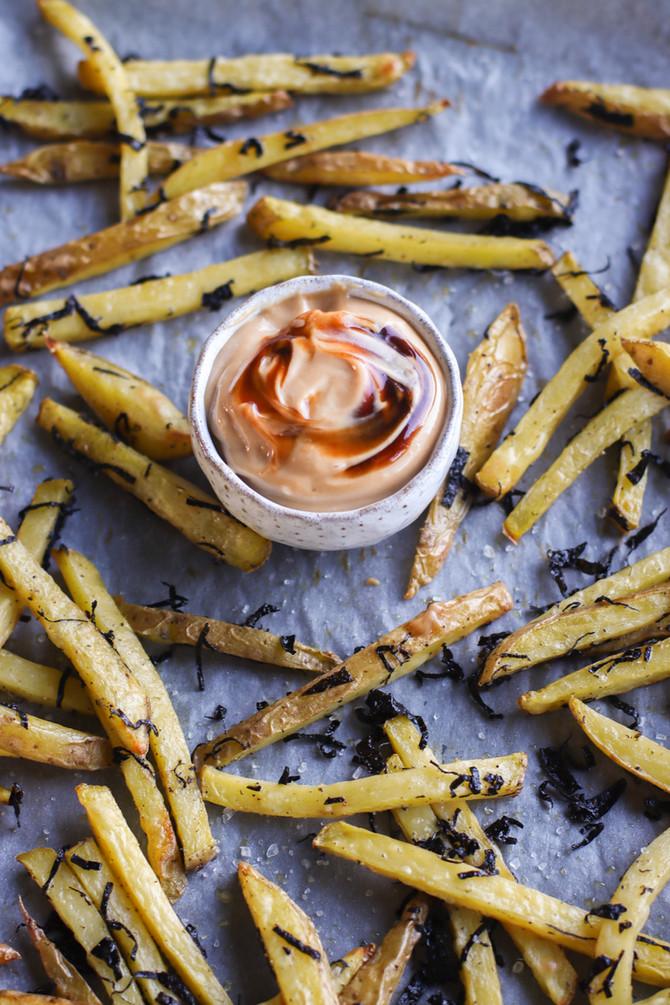 Seaweed Baked Fries with Hoisin Mayo & Sriracha Mayo