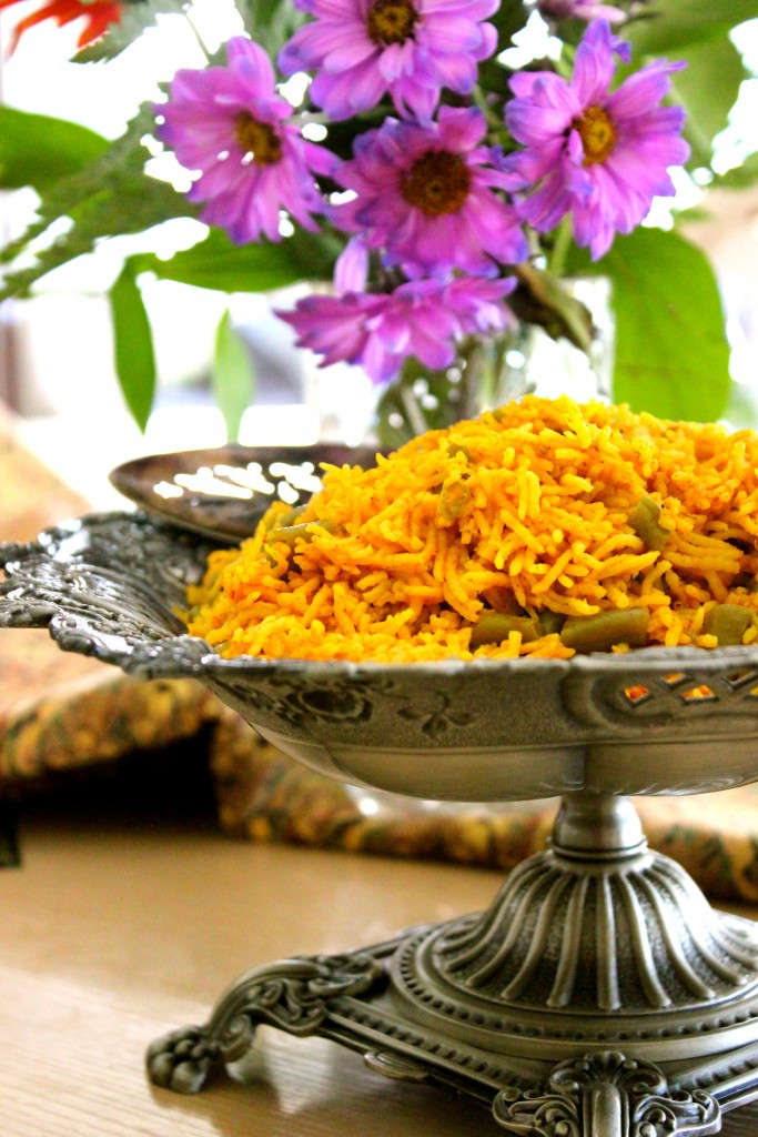 Light, fluffy, and moist. The warm yellow hue in this rice dish is imparted by aromatic and flavourful saffron, cinnamon and tomato paste.
