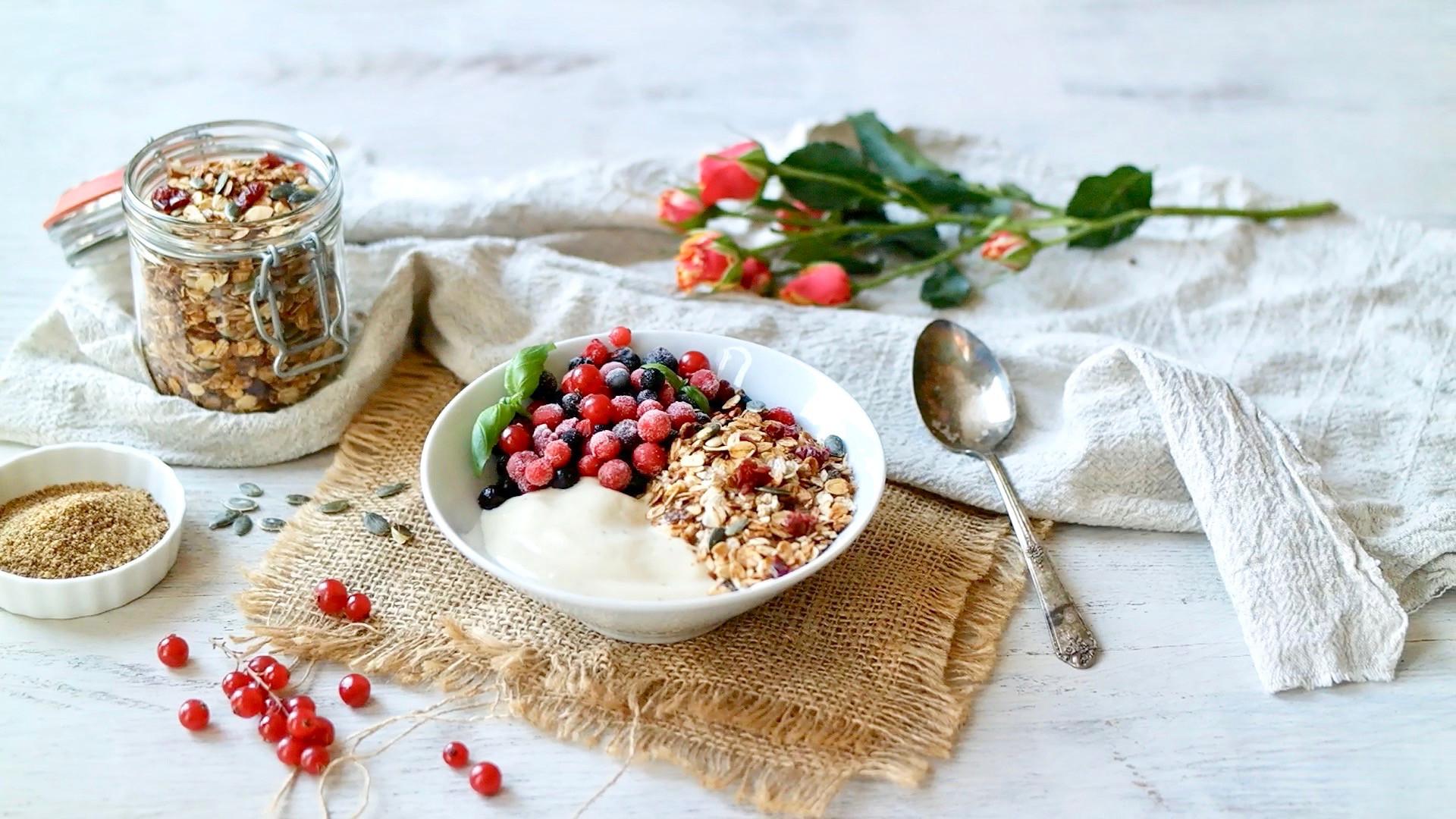 Crunchy Pecan & Cranberry Granola