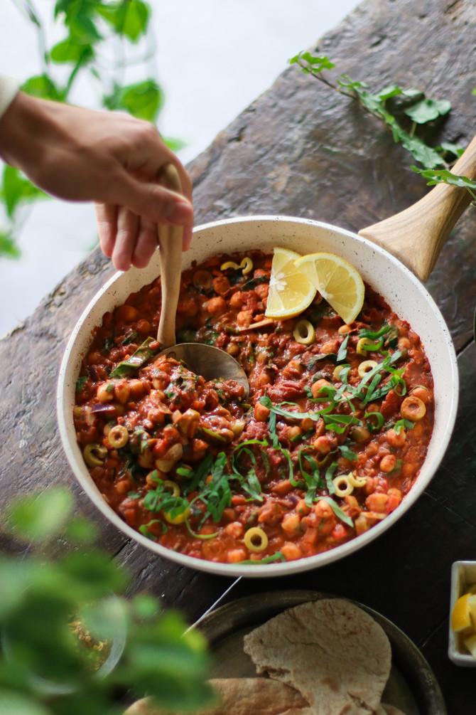 One-pot Tomato & Chickpea Stew