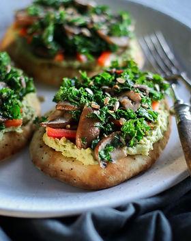 Avocado Hummus Pita with Mushrooms and K