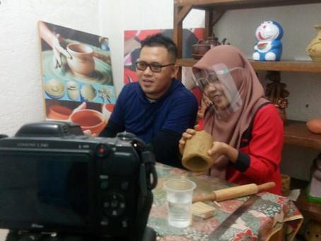 Melestarikan Seni Budaya Lewat Kelas Prakarya Keramik Online
