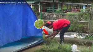 memasang pasak tenda dome citra alam riverside