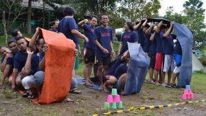 permainan kerjasama tim bulldozer